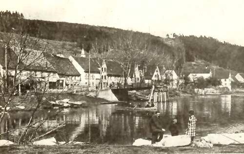 Vom Eis zerstörte Neckarbrücke